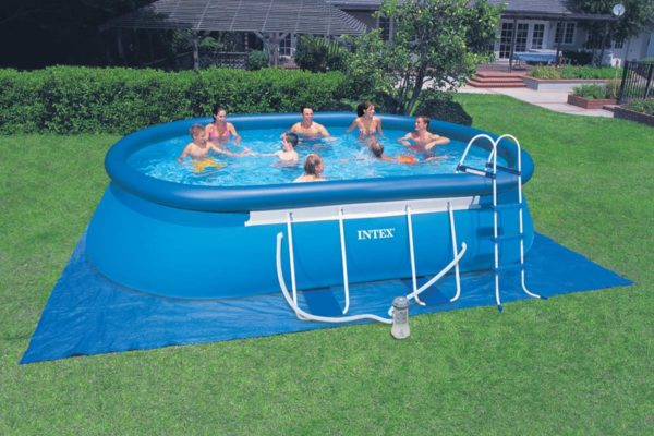 piscine-hors-sol-gonflable-e1440073375490