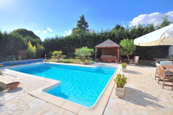 vente_dune_maison_au_prix_de_669000_euros_1340100449176328582