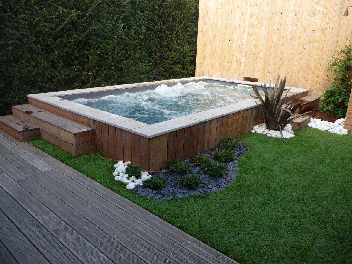 une piscine pour embellir son jardin promo piscine bois. Black Bedroom Furniture Sets. Home Design Ideas