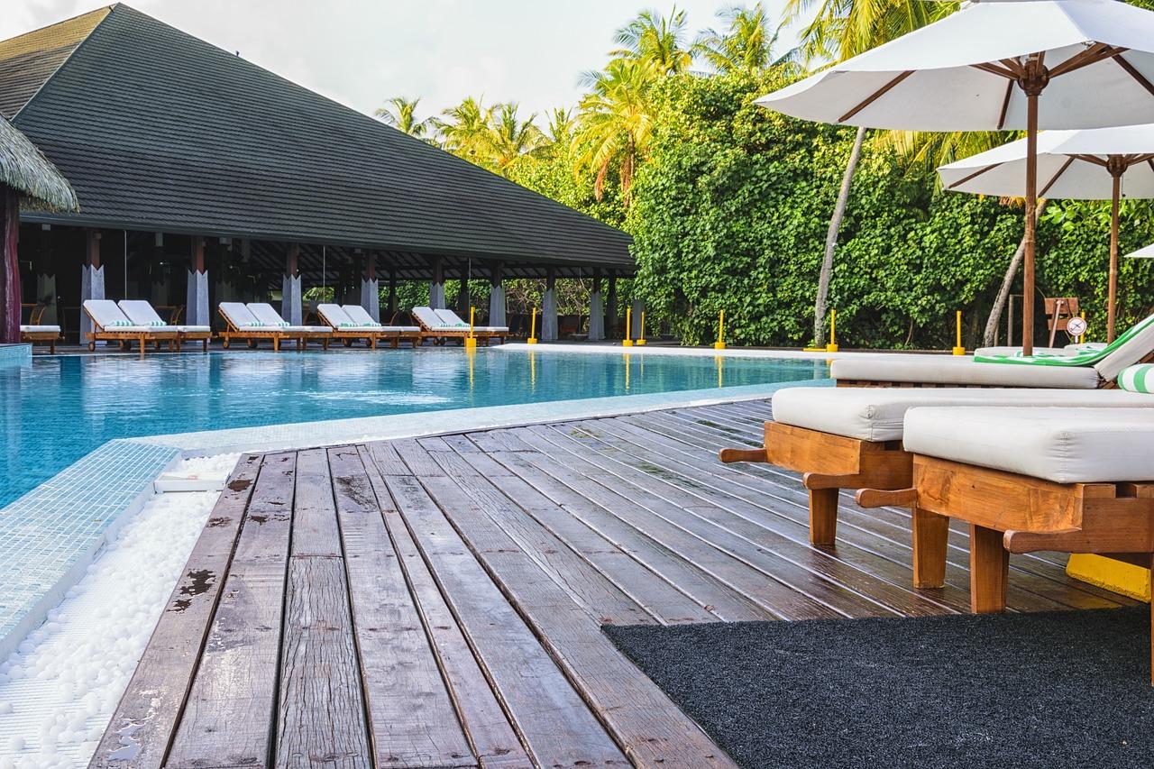 les couvertures choisir pour votre piscine en hiver. Black Bedroom Furniture Sets. Home Design Ideas